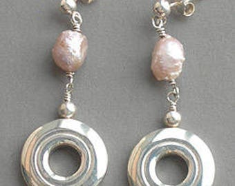 Open Hole with Rosebud Pearl-dangles
