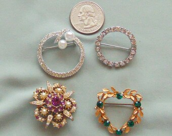 Lot 8 - Four Unsigned Vintage Scatter Pins - All in Excellent Condition
