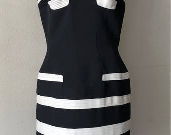 black and white French dress.