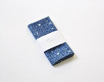 White navy blue pocket square Men's pocket handkerchief Men's pocket square Pocket kerchief Wedding pocket square Blue pocket square