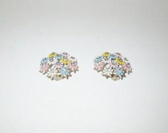 Vintage 1950s Flower Rhinestone Earrings / 50s Plastic Floral Cluster Rhinestone Earrings