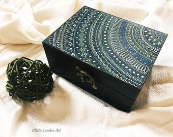 Jewellery box in wood, hand-painted (navy)