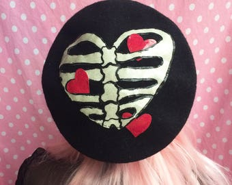 Skelly Heart Beret