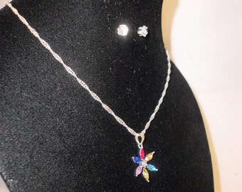 A Multi-Color Rhinestone Flower Pendant Necklace*****.
