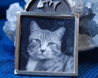 Framed Tabby Kitty Cat Brooch Unique Hand Signed Designer J Beninato 1995 SS in Vintage Metal and Paper #BKB-KBRCH209