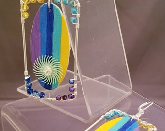 E93352 Surf's Up. Bright and shiny. Fun and quirky earrings