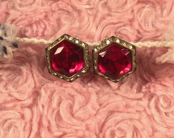 Classic Hollywood Vintage Clip On Earrings Ruby Red Stone Rhinestones Hexagon