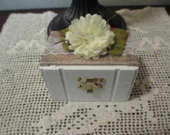 Small Wooden Box, Ring Box, Ring Bearer Box, Treasure Box, Shabby Chic Box, Wooden Box, Wedding Decor, Ring Box