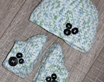 Matching green and blue baby boots and hat. 0 - 3 month old.
