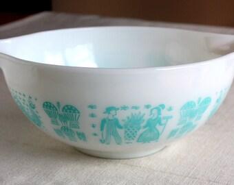 Vintage Pyrex Amish Butterprint Turquoise Blue Cinderella bowl 443  2.5Qt