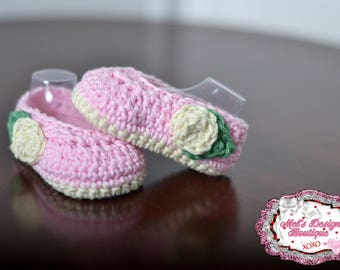 pink baby booties - crib shoes - baby girl shoes - crochet baby slippers - ballerina slippers - baby shower gift - crochet baby booties