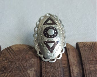 Tuareg ring. silver and accacie wood