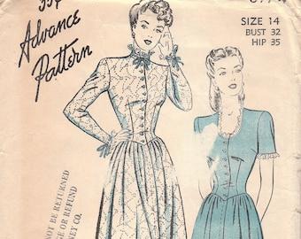 1940s Ladies Housecoat or Dress Pattern Advance 3974 Size 14