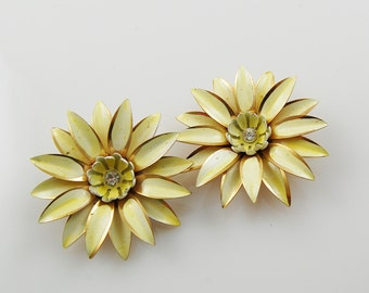 Vintage Pale Yellow and Gold Clip On Earrings