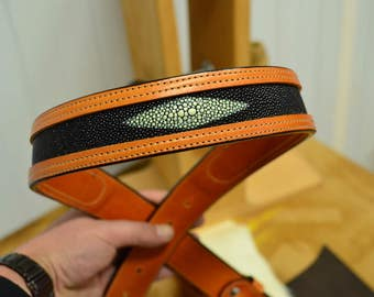 Stripe leather belt