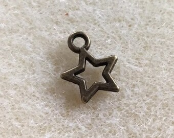 40 Antique Bronze Open Star Charm
