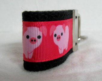 Pig Mini Key Chain - Small Pigs Key Fob -Pink on Black -Farm Animal Zipper Pull