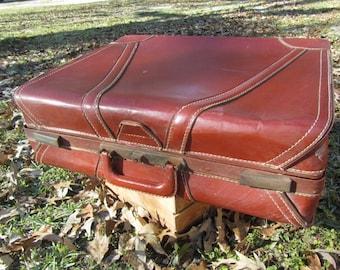 VINTAGE SUITCASE, MID Century Luggage, Travel Bag, Overnight bag,leather suitcase , Vagabond Suit Case