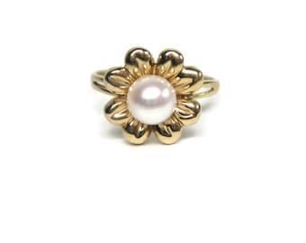 Vintage 14K Pearl Flower Ring Size 7.25