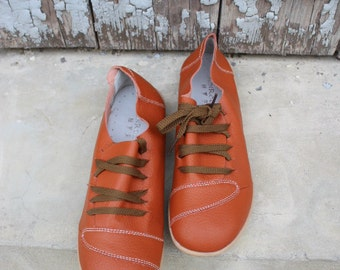 SALE!Leather shoes in Orange - size US 10