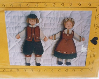 """Tole Painting Pattern~~Robinson's Wood """"Hans and Heidi""""~Painted Old World Couple~~Painted Wood Country Decor~Wood Painting Pattern"""