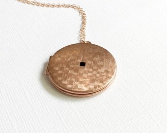 Vintage Rose Gold Round Locket Necklace,  Long Rose Gold Locket Necklace, Vintage Round Basket Weave Locket