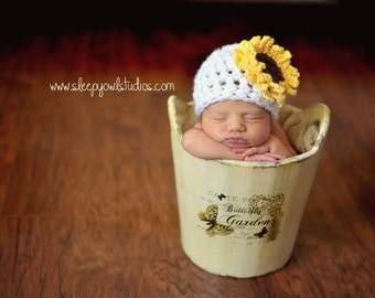 Baby girl hat, crochet sunflower hat, chunky baby hat, sunflower, photo prop, baby shower gift, coming home outfit, crochet beanie