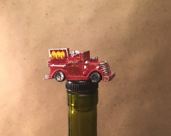 Firetruck Wine Stopper, Fireman Bottle Stopper, Fire Truck, Fireman Gift, Fireman Wine Gift, Fireman Drinking Gift, Fire Gift, Old Firetruck