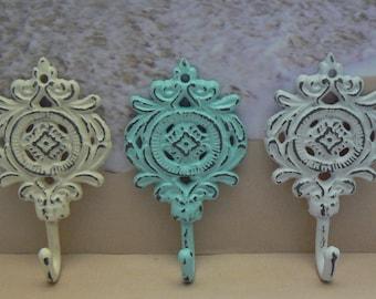 Ornate Medallion Shabby Elegance Cottage Chic Beach Trio Rustic Floral Hook Cast Iron Key Leash Jewelry Hat Set 3 Hooks White Cream Lt Blue