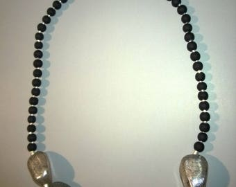 the Choker necklace with cracked silver resin beads and black satin round beads