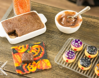 Miniature Halloween Brownie Making Set - 1:12 Dollhouse Miniature
