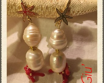 Pendant earrings with Baroque pearls