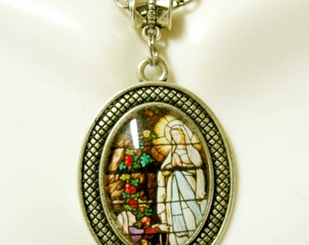 Our Lady of Lourdes pendant and chain - AP05-364