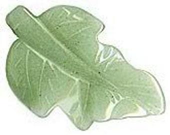 Carved green Aventurine leaf pendant. 40x25mm. Pkg of 1. b4-ave203(e)