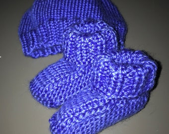 Newbie Blue Matching Booties and Cap