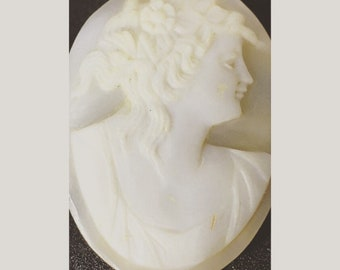 Loose Antique Cameo Cab - 1.0 inches tall