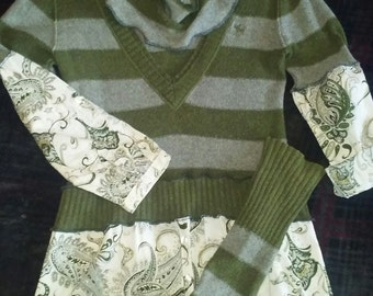 Lagenlook,upcycled,sweater,top,boho,bohemian,medium,large,fall,green,grey,vneck,flannel