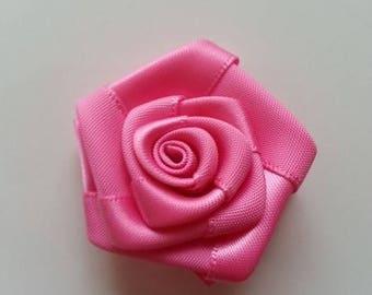 fleur de satin  bouton de rose rose bonbon  4cm