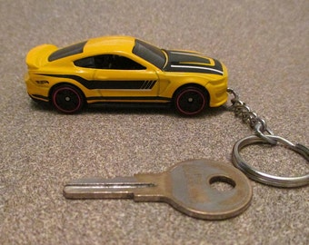 Ford Shelby GT350R keychain, Car keychain, Muscle Car, Sleutelhanger, Mens or Womens keychain, Mens or Womens gift Stocking