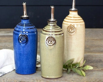 Oil bottle – Pottery oil dispenser, Ceramic, Stoneware, Handmade, Wheel thrown