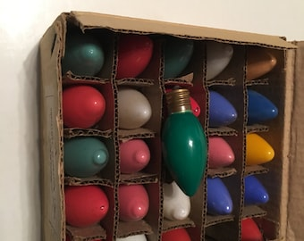 25 christmas decoration lamps in box color assorted 120 volt c-9 1/4 made in taiwan republic of china