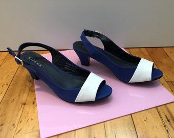 Vintage Slingback Sandals Navy Linen White Leather Low Heel Sling Mules 80's 90's Deadstock New Minimal Sandal sz 8 JG Hook Classy