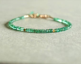 Small Emerald bracelet, 14K gold, May birthday, 18K solid gold beads, real and natural gemstone jewelry, minimal design jewelry