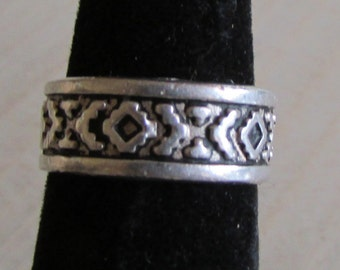 Sterling Silver Southwest Design Band Ring Size 5 1/4