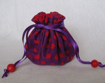 Fabric jewelry Pouch - Medium Size - Drawstring Bag - Jewelry Tote - RED HAT POLKA