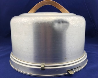Vintage, Mirro 2002-M, Aluminum Cake Carrier with Locking Lid