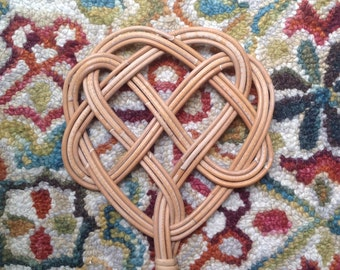 Antique French rug beater / willow carpet beater swatter / rattan French Country rug beater / decorative wall art
