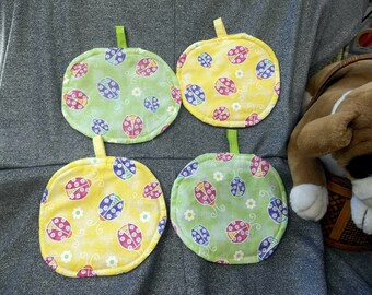 Table Protector Pot Pads Pillows, Ladybug Sparkle Green N Yellow Prints