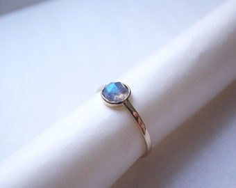 Rose cut labradorite ring - 14k gold