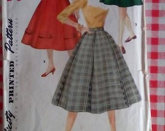 "1960s Skirt - 26"" Waist - Simplicity 1691 - Vintage Retro Sewing Pattern"